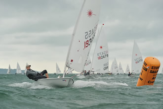 Dingy racing in Solent - Image courtesy of Wave Photography - http://wavephotography.co.uk/